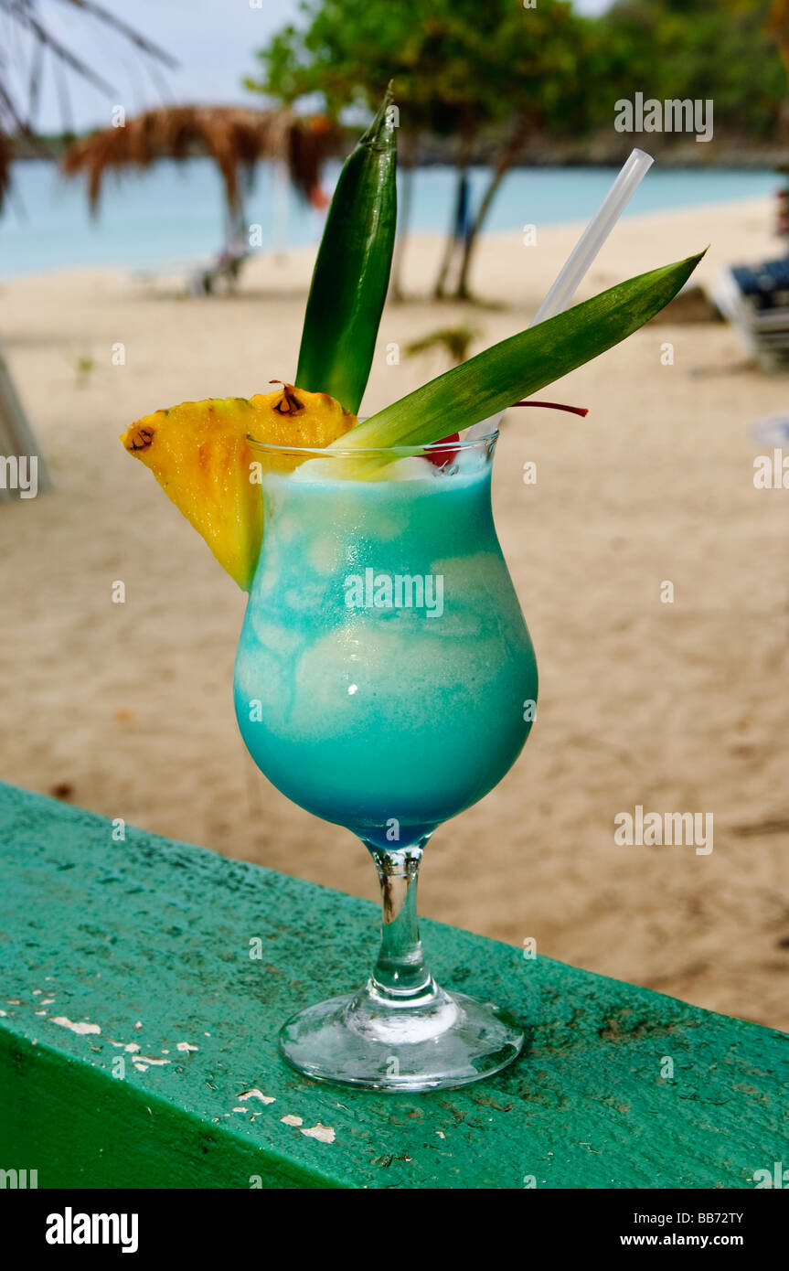 how to make blue lagoon cocktail drink