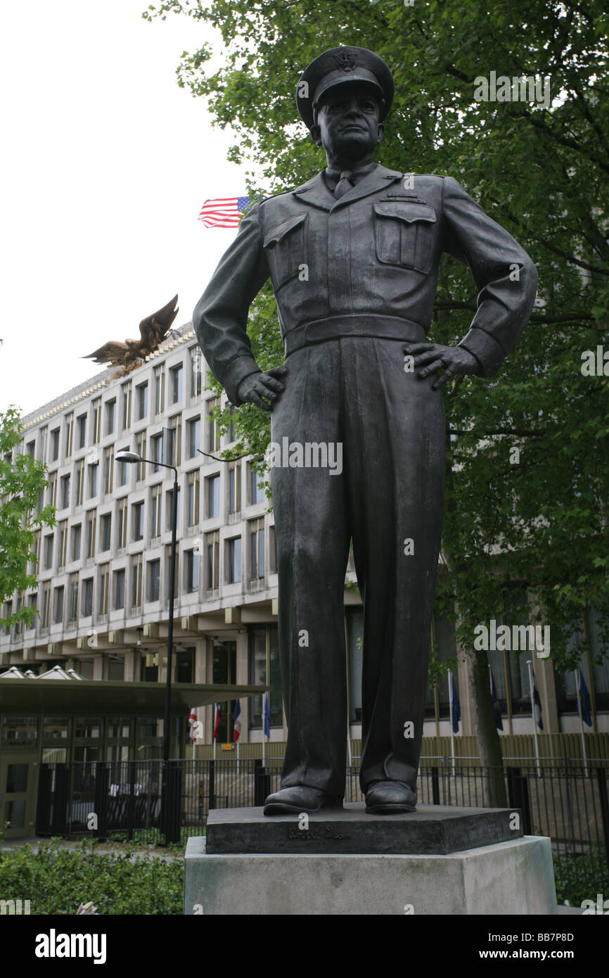 Statue Of Us President Eisenhower In Front Of Us Embassy Grovesnor Square Mayfair Central London