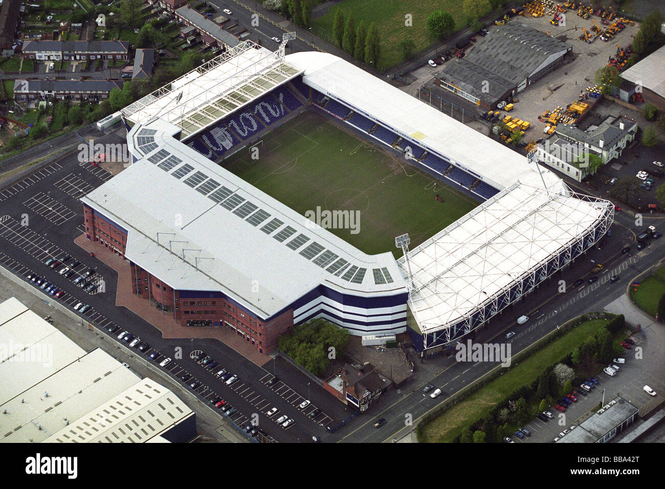 aerial-view-of-the-hawthorns-home-of-west-bromwich-albion-football-BBA42T.jpg