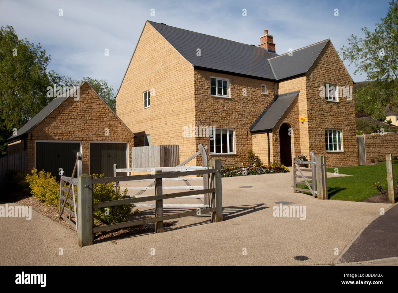 Double Detached Garages : New large detached house with double garage on edge of