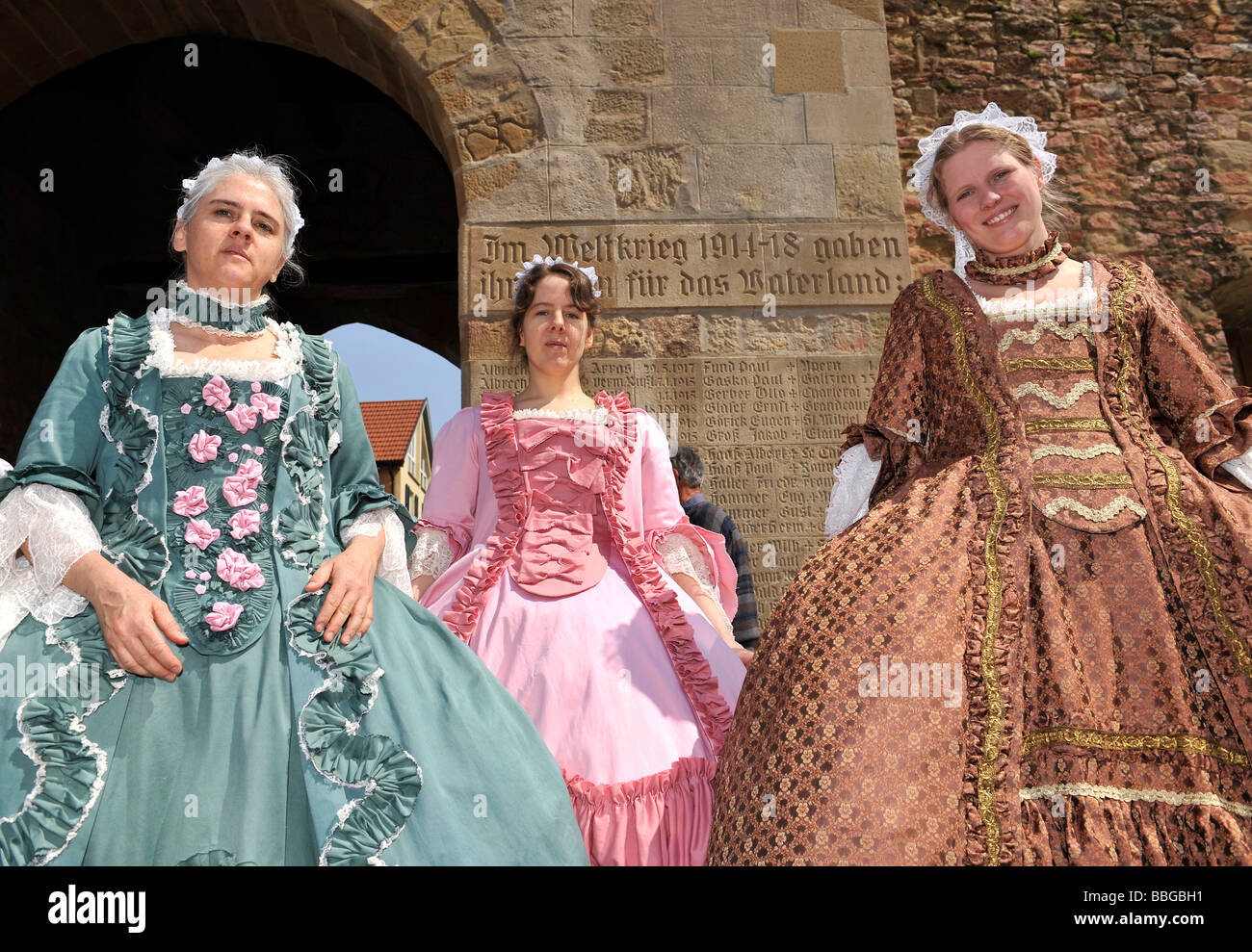 Life in the baroque period of the 18th century women in for Baroque lifestyle