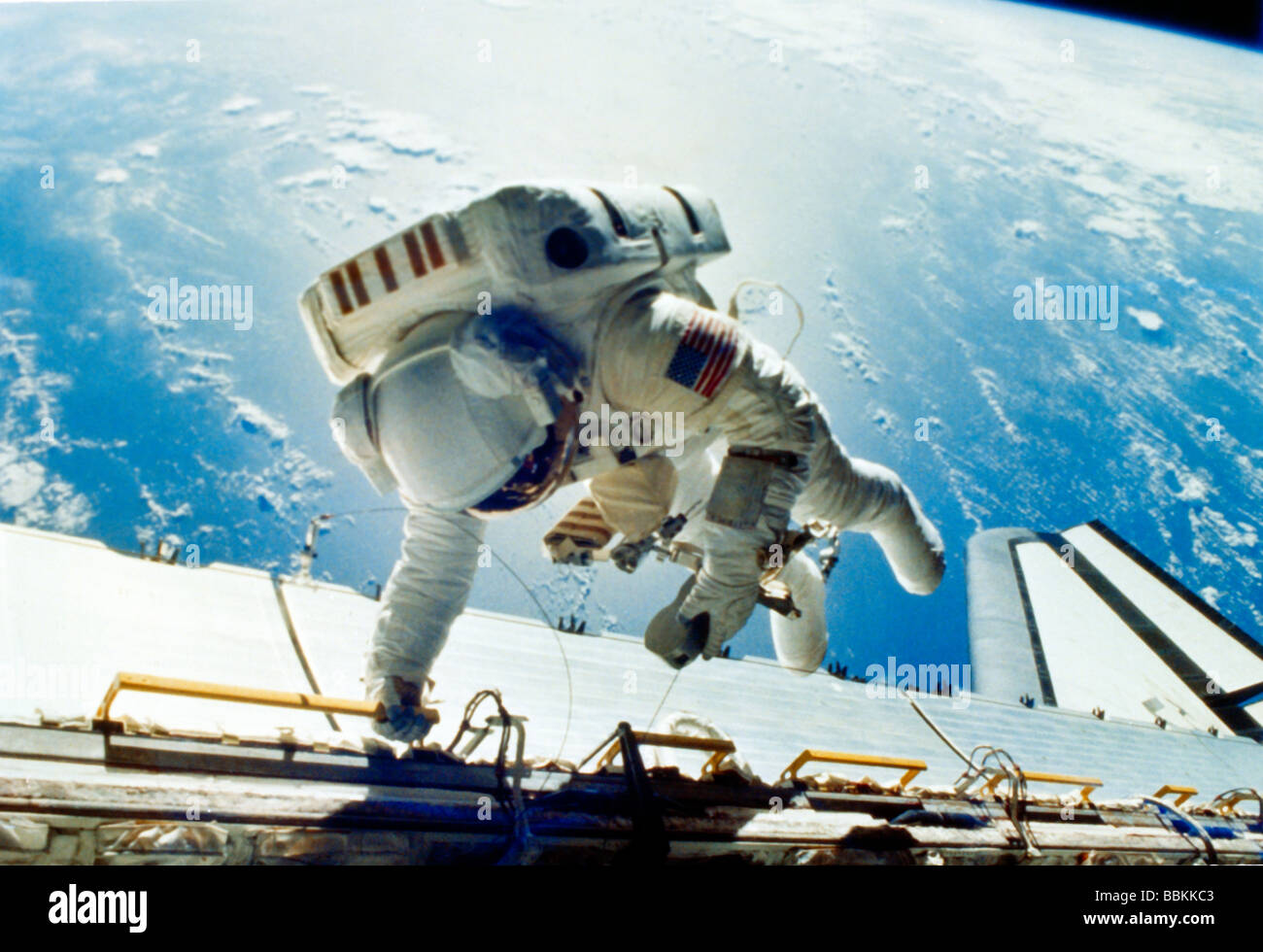 astronaut working in space - photo #14