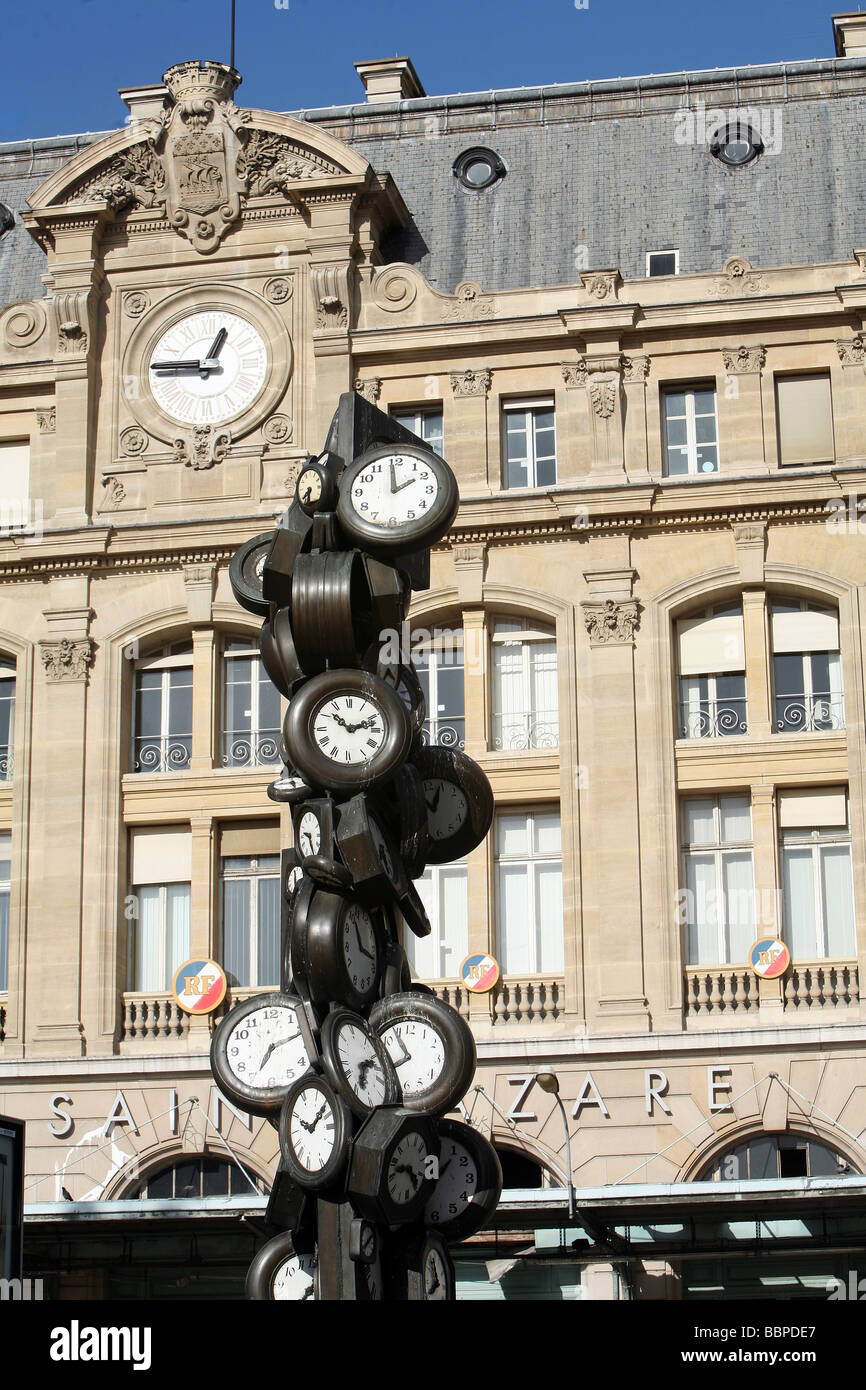 FACADE OF THE GARE SAINT LAZARE TRAIN STATION AND ...