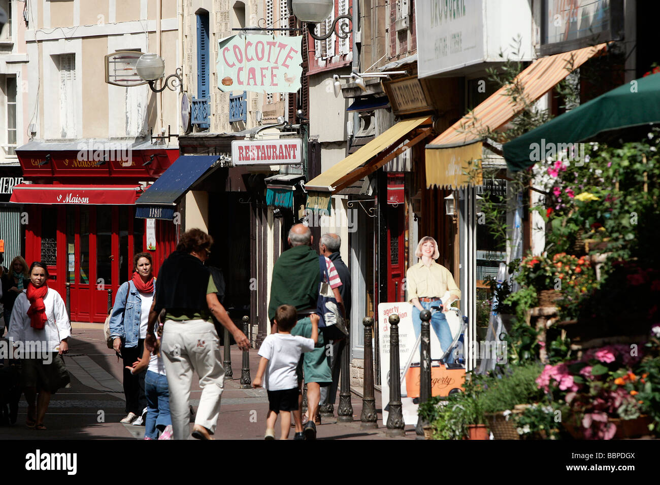 The rue des bains trouville sur mer calvados 14 for Rue des bains