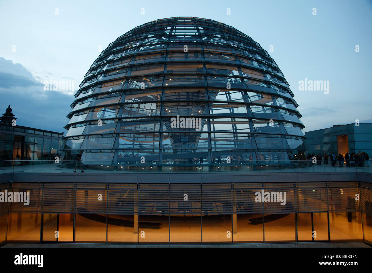 Germany berlin reichstag glass dome cupola norman foster - Forster architekt ...