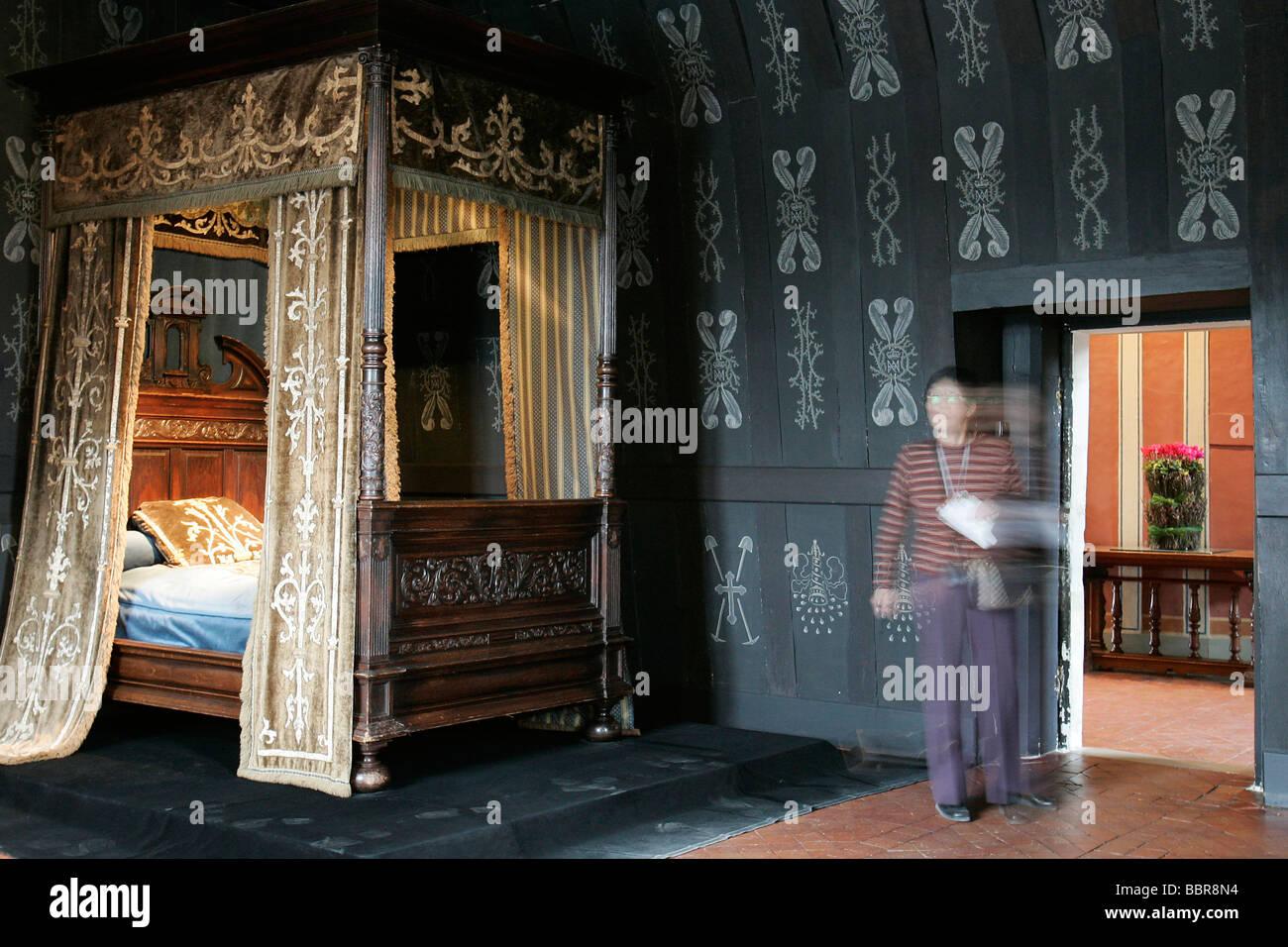 Louise de lorraine 39 s black bedroom chateau de chenonceau for Chateau chenonceau interieur