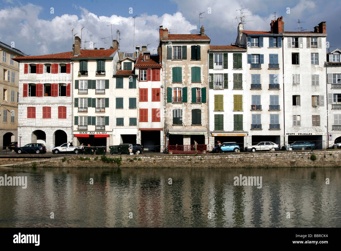 Houses on the quays of the nive petit bayonne basque - Peinture bayonne ...