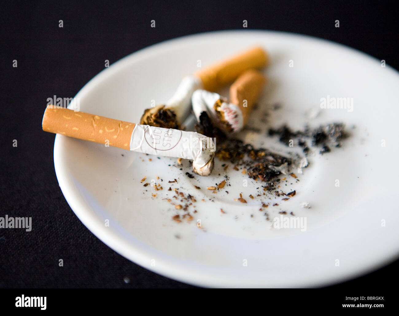 How much is a carton of cigarettes Viceroy in England