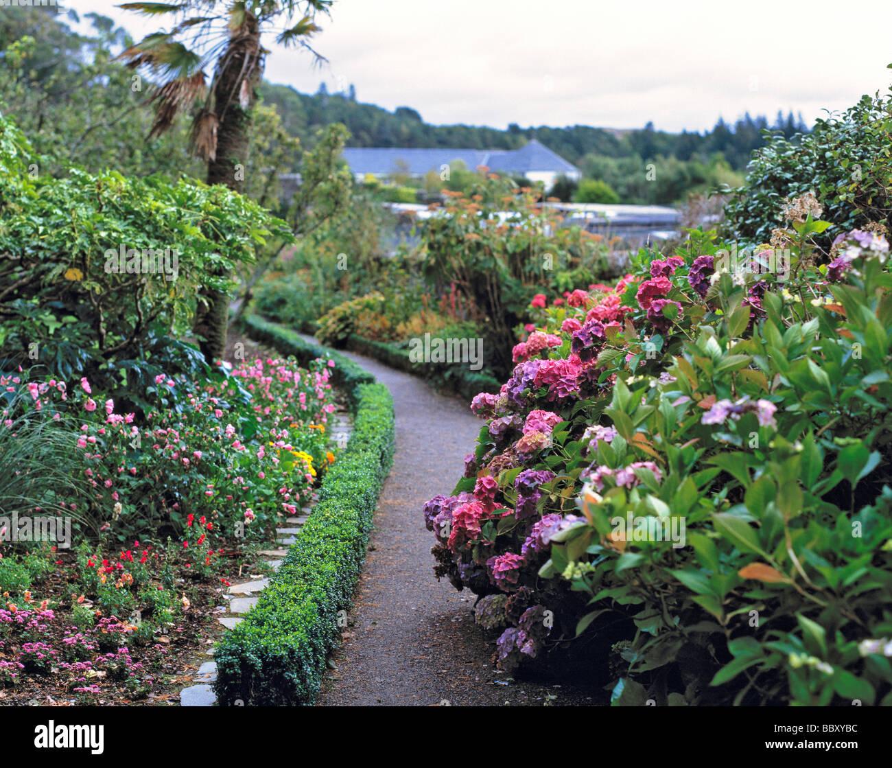 Flourish gardens garden ftempo for Garden trees scotland