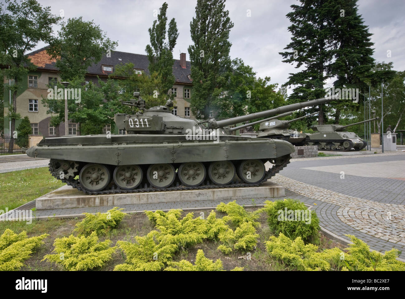 T 72 stock photos & t 72 stock images   alamy