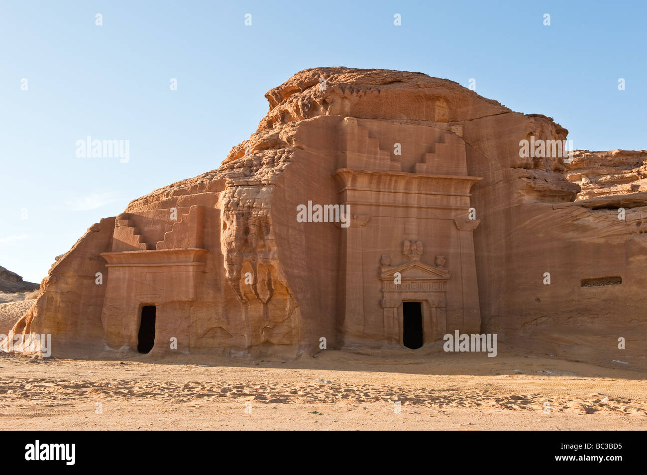 madain saleh By itself, the al ula oasis is a tourist attraction that matches the beauty and history of madain saleh, 22 kilometers to its north many different people.