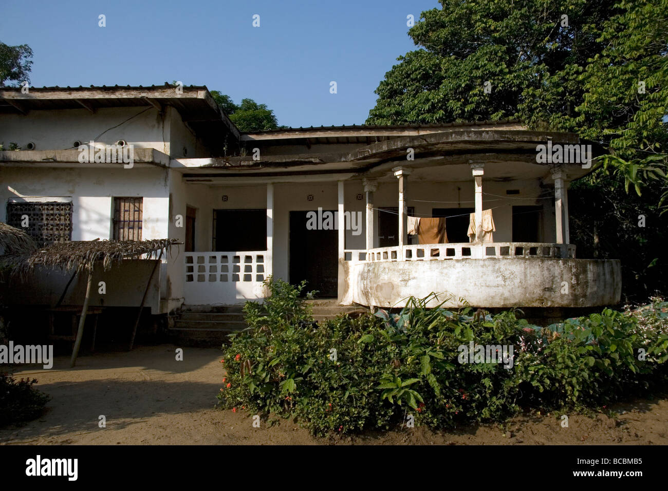 Colonial Era House With Verandah And Garden Bonendale