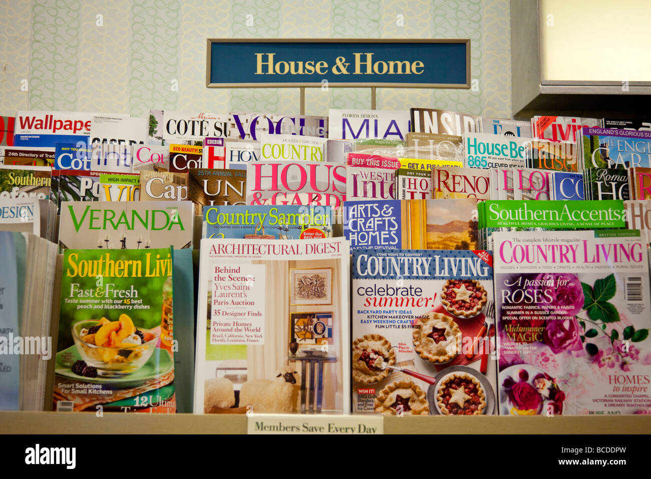 Home Magazines Usa house and home magazines on shelves, barnes and noble, usa stock