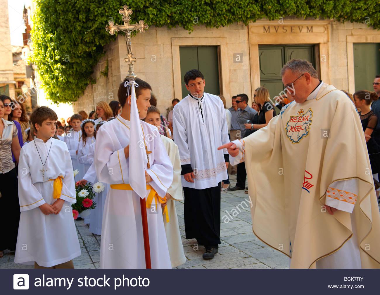 catholic singles in childs Mature catholic singles: 50+ years old 286 me gusta 1 personas están hablando de esto for mature catholic singles seeking friendship, fellowship.