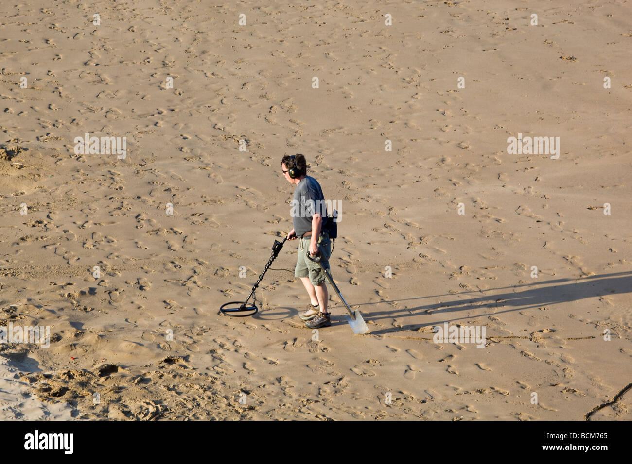 Jew Detector: Beachcombing With Metal Detector Woolacombe Beach North