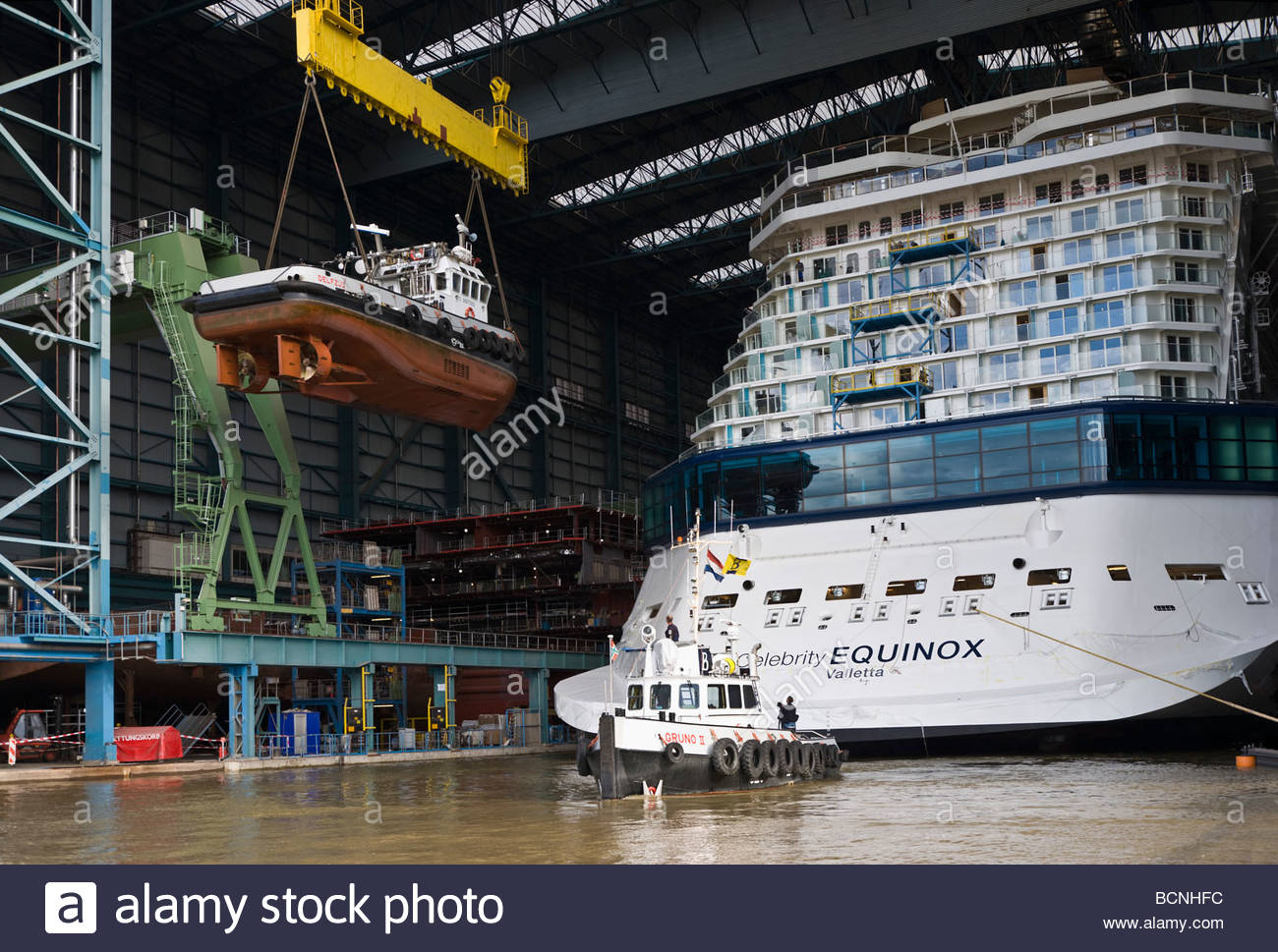 Cruise Ship Assembly Hall Tug Boat Heavy Duty Lift Shipyard Stock - How heavy is a cruise ship