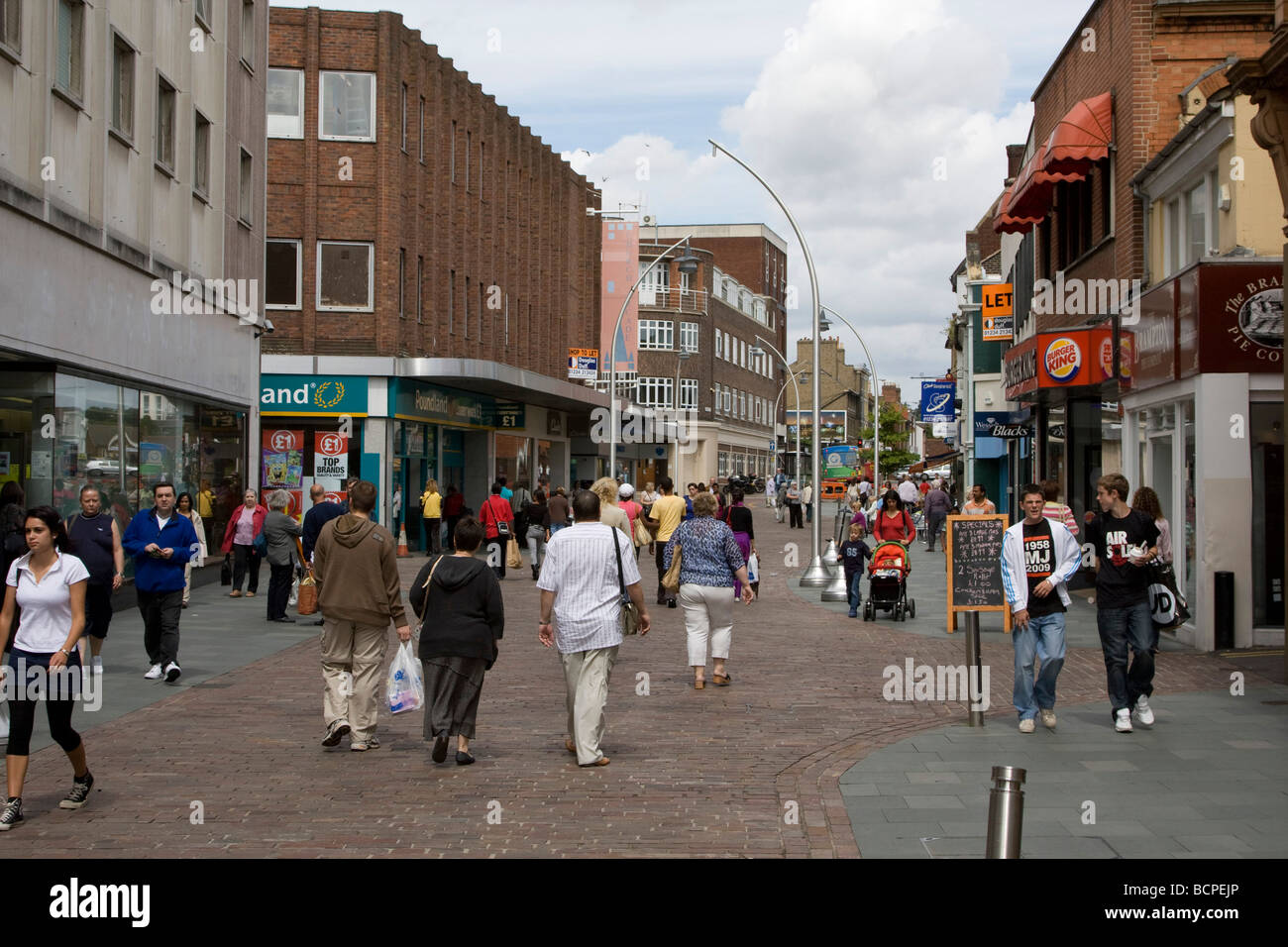 Bedford Town Centre High Street Bedfordshire England Uk Gb