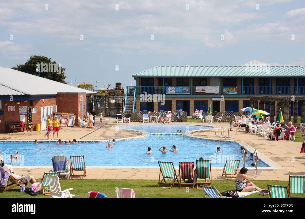 An outdoor swimming pool in skegness lincolnshire england u k stock photo royalty free image for Outdoor swimming pools in england