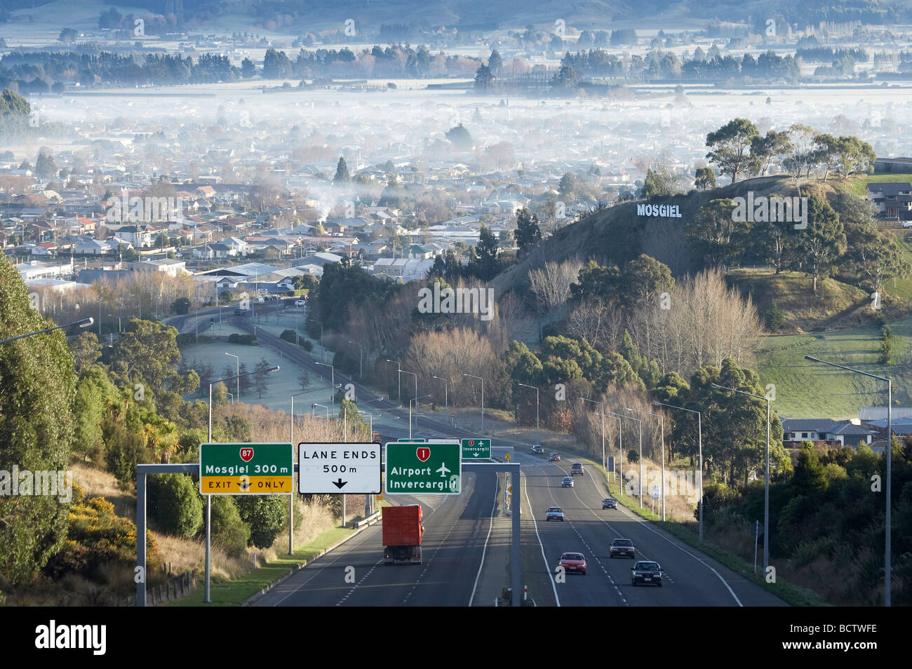 air pollution in new zealand In most new zealand towns and cities home heating using wood and coal burners is the main cause of air pollution, especially during winter but in auckland, vehicle emissions are an equal contributor to poor air quality.