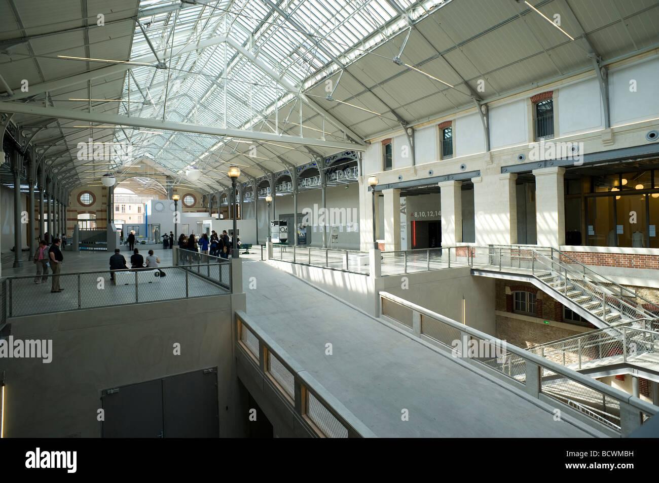 paris museum f r moderne kunst centquatre le 104 paris museum of stock photo royalty free image. Black Bedroom Furniture Sets. Home Design Ideas