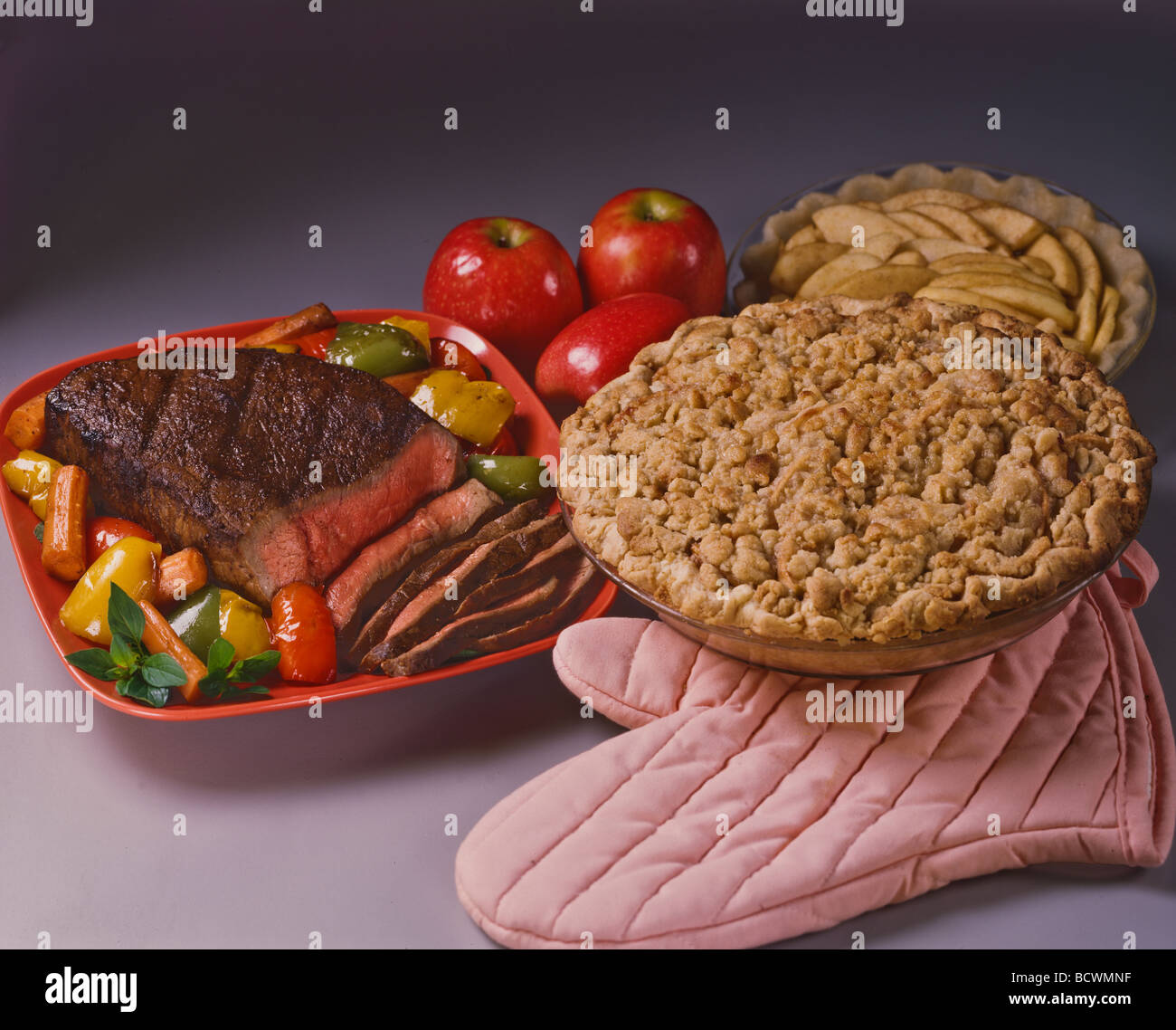 Country Kitchen Recipes Southwestern London Broil Steak Quick Easy Pastry Traditional Apple Crumb Pie Dessert Oven Mitt