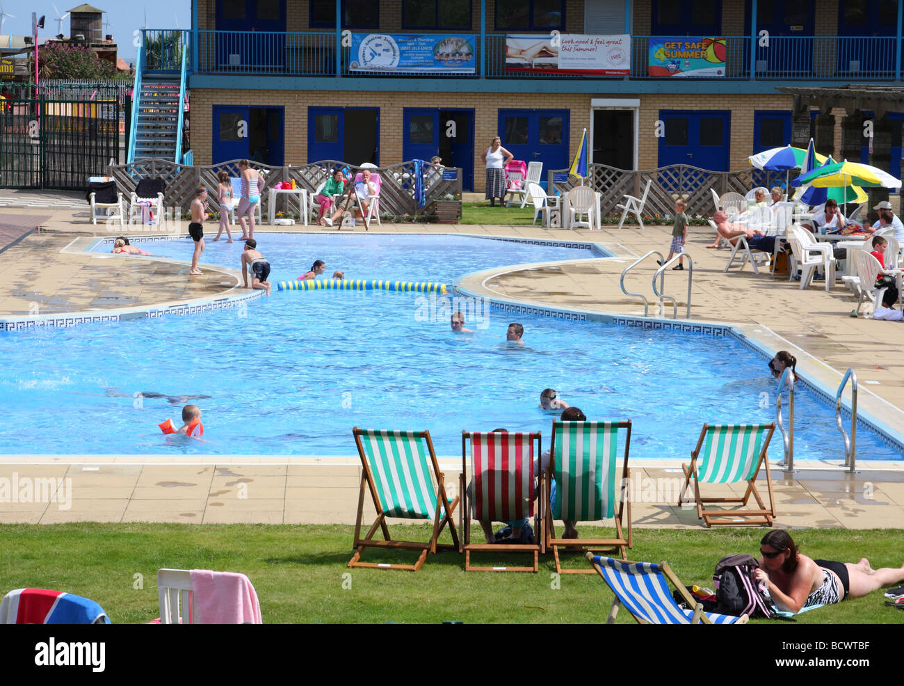 An Outdoor Swimming Pool In Skegness Lincolnshire England U K Stock Photo Royalty Free Image
