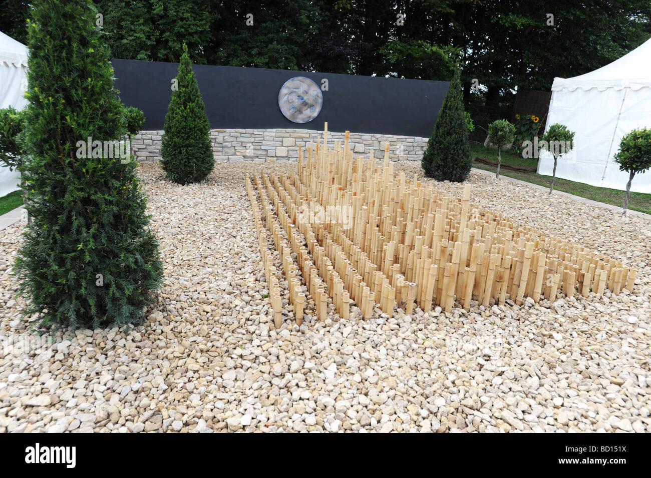 minimalist garden design at rhs tatton park flower show knutsford cheshire