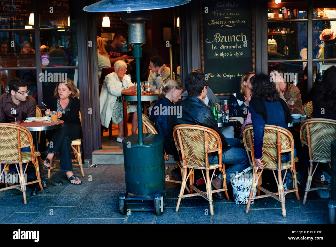 Crowded restaurant table - Paris France People On French Caf Bistro Restaurant Crowded Sidewalk Terrace In Front