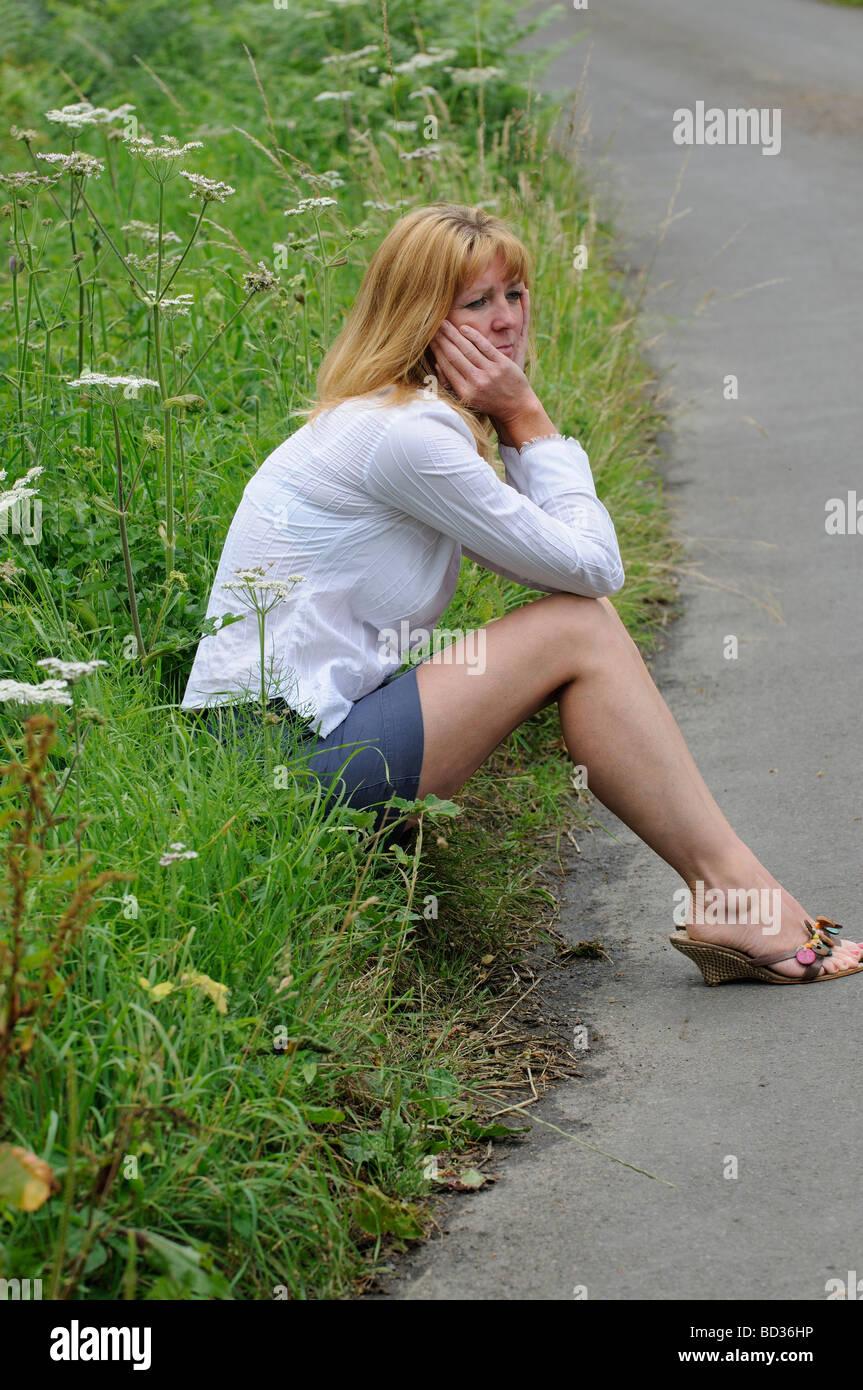 free mature women wearing short shorts
