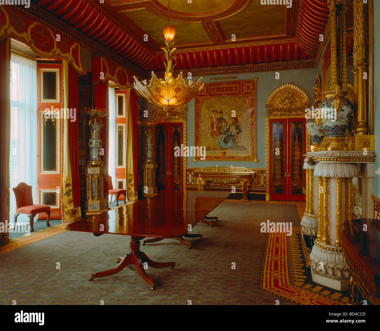 The chinese dining room in buckingham palace stock photo for Comedor waterdog royal house