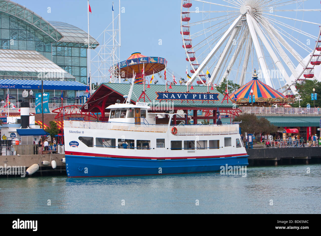 Chicago Illinois Navy Pier Tourist Boat And Ferris Wheel Stock - Chicago map navy pier