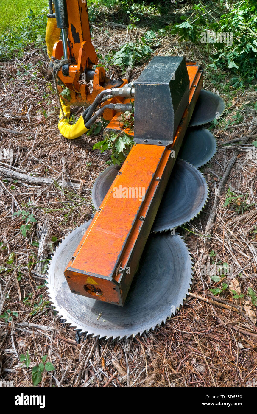 Tractor Man On Cutting Trees : Tractor mounted quot noremat bladed circular saw for