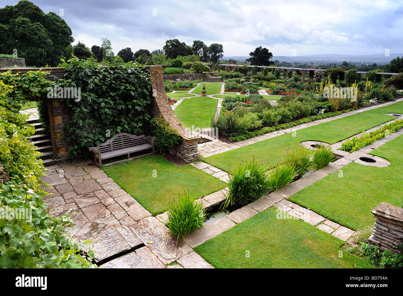 Hestercombe gardens near taunton somerset uk for Gertrude jekyll garden designs