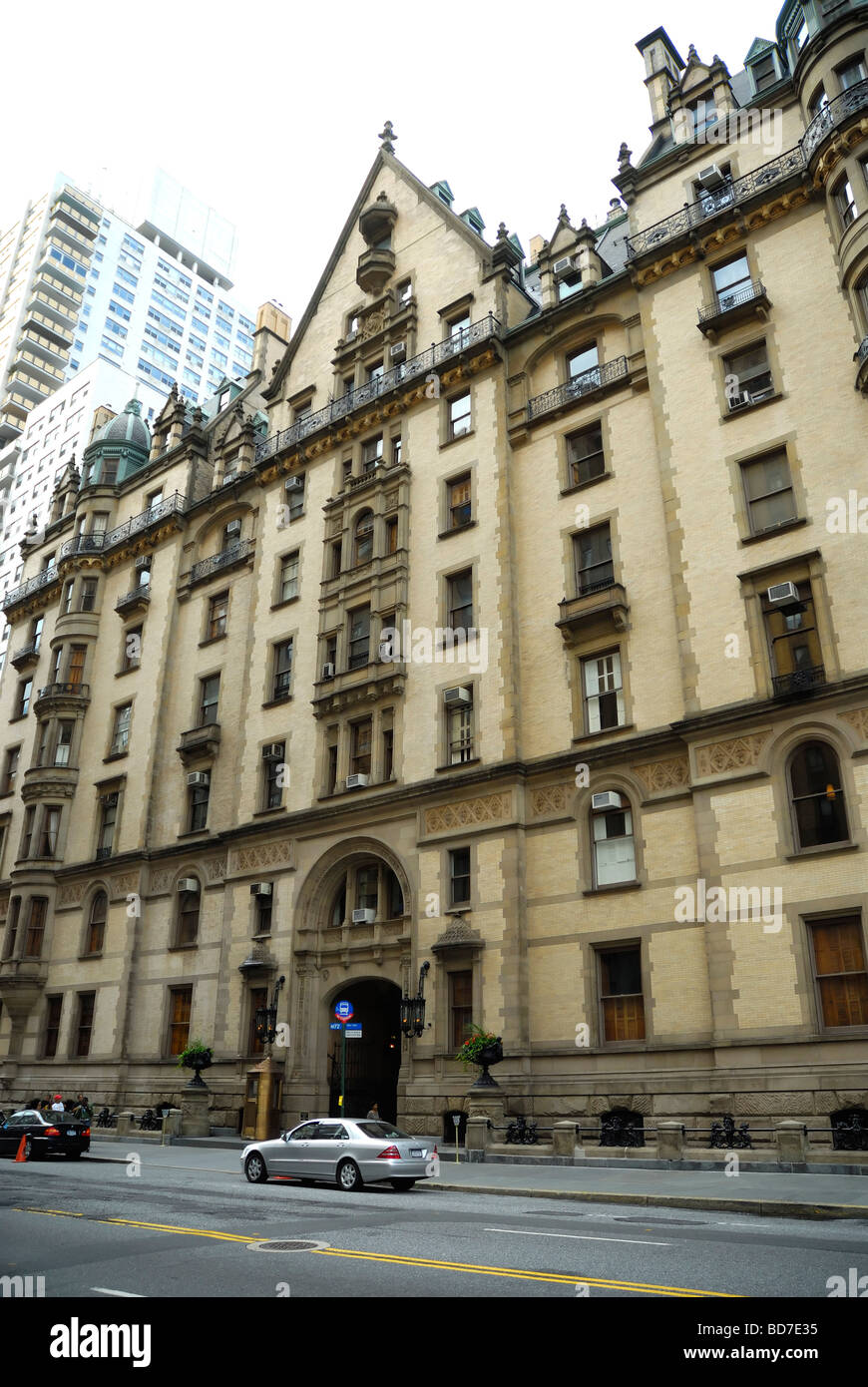 The Dakota Building 72nd Street View New York City USA Stock