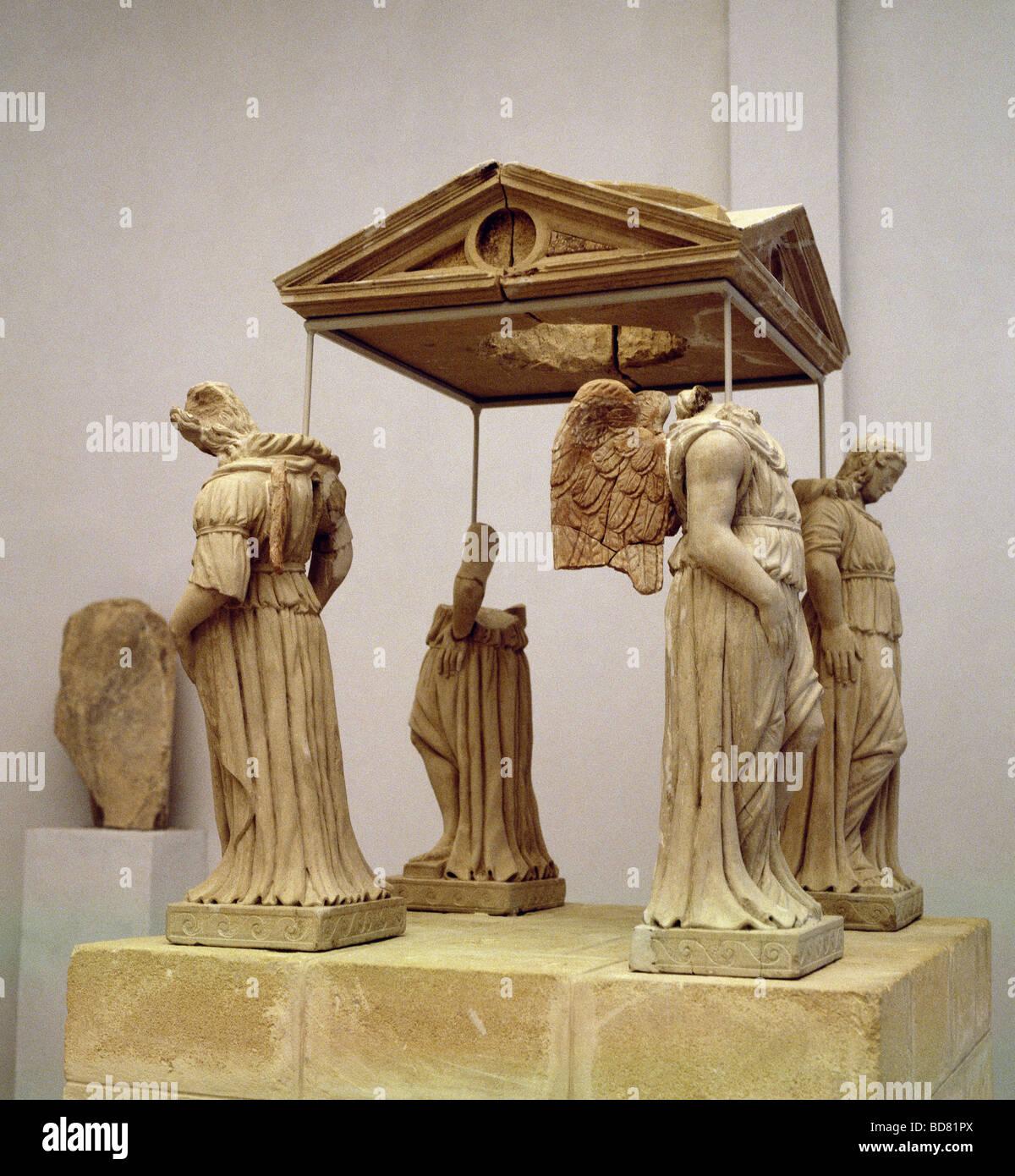 an art analysis of an ancient greek gravestone Art & artifacts of ancient greece  greece, ca it functioned as a grave marker for a fallen young warrior named kroîsos  art history formal analysis .
