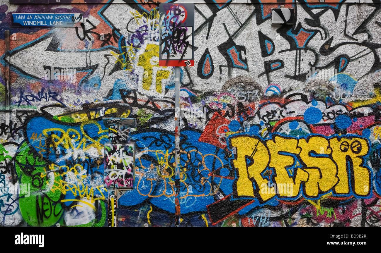 U2 graffiti wall location - Stock Photo The U2 Graffiti Wall Part Of Windmill Lane Studios Dublin City Ireland Sadly Demolished In 2015