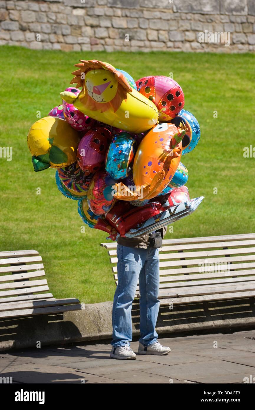 helium balloon seller stock photos u0026 helium balloon seller stock