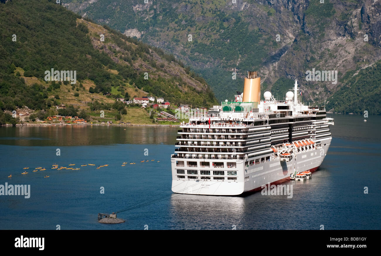 PO Cruise Ship Arcadia With Kayaks At Geiranger Norway Stock - Cruise ship norway