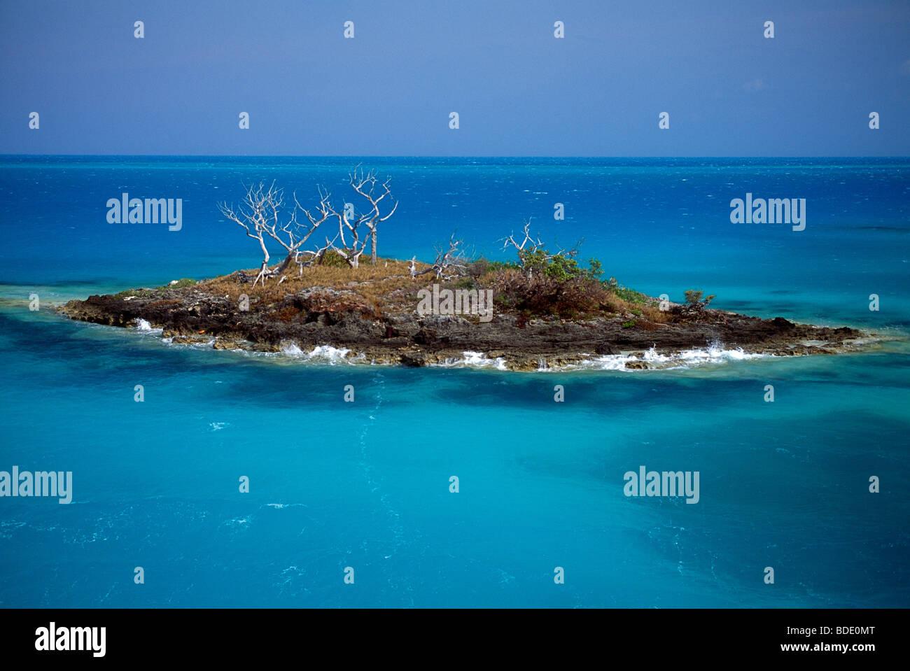 "Tiny Bermuda Chevron"" Bandana Bib – BibbyBubby"