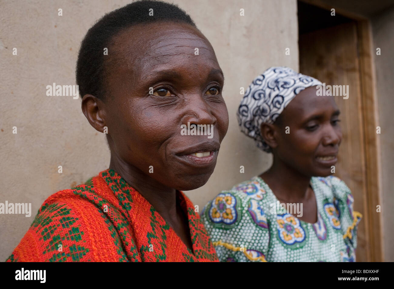 tutsi and hutu relationship questions