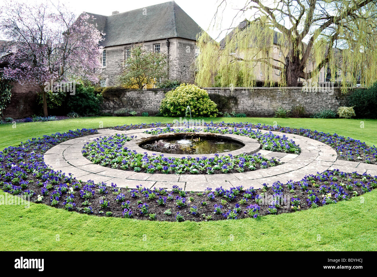 Circular Flower Bed And Fountain In Gardens At Oxford