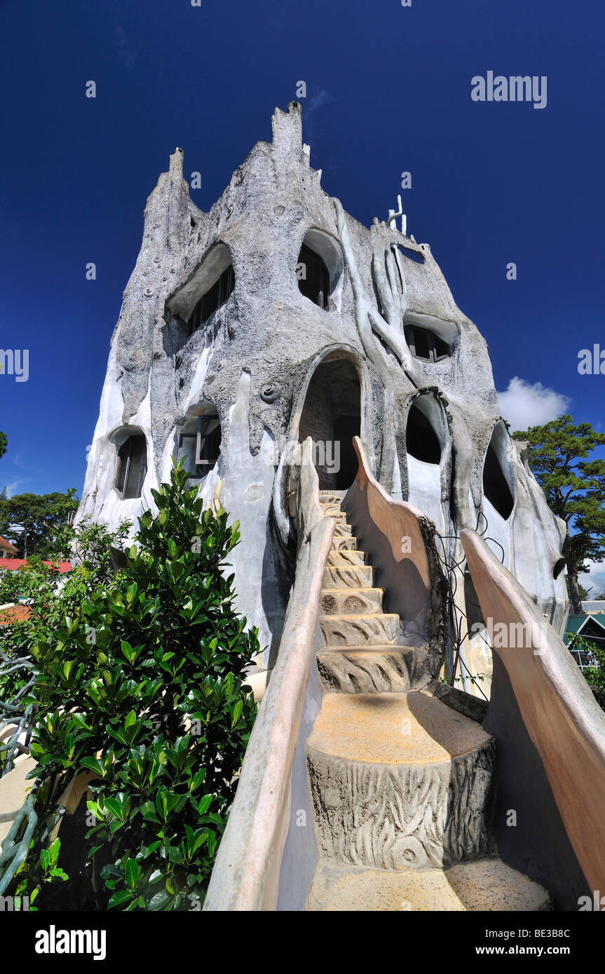 Bizarre building of the Crazy House Hotel, Hang Nga Guesthouse ...