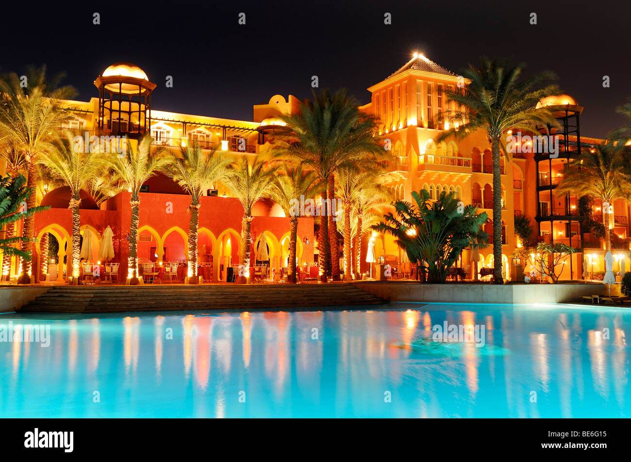 pool and grand resort hotel hurghada egypt africa stock photo royalty free image 25959841. Black Bedroom Furniture Sets. Home Design Ideas