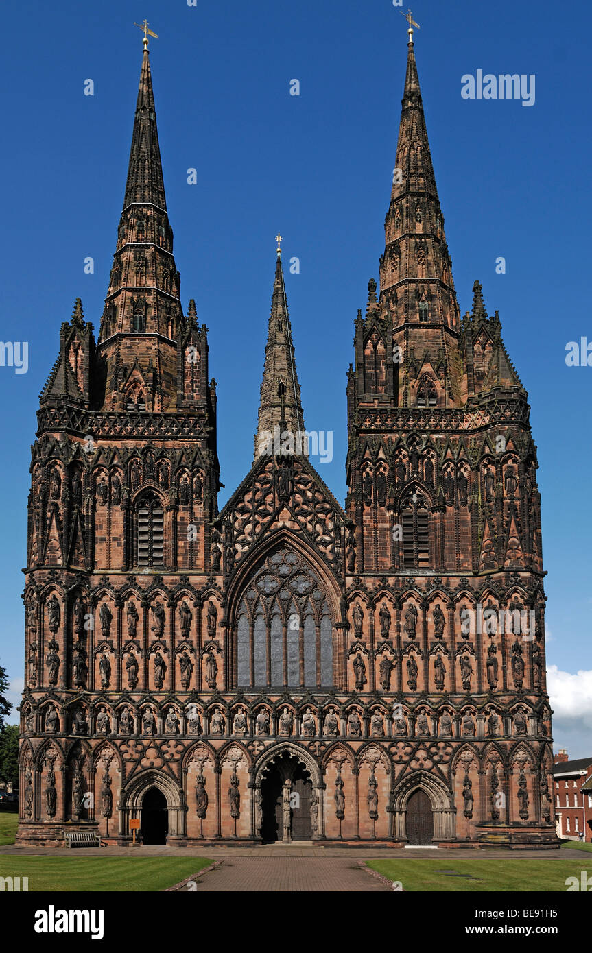 Main Facade Of Lichfield Cathedral Decorated Style English Gothic 1256 1340 The Close England UK Europe