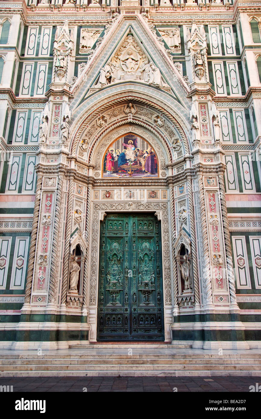 Massive front doors to Duomo - Santa Maria del Fiore Florence Tuscany Italy : florence doors - Pezcame.Com