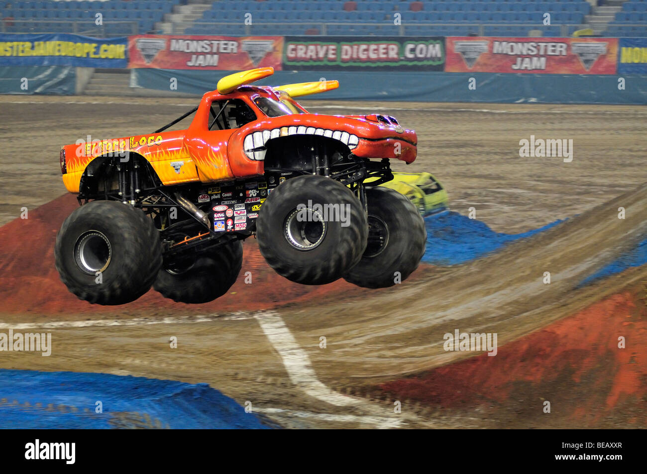Monster jam el toro loco with damon bradshaw driver