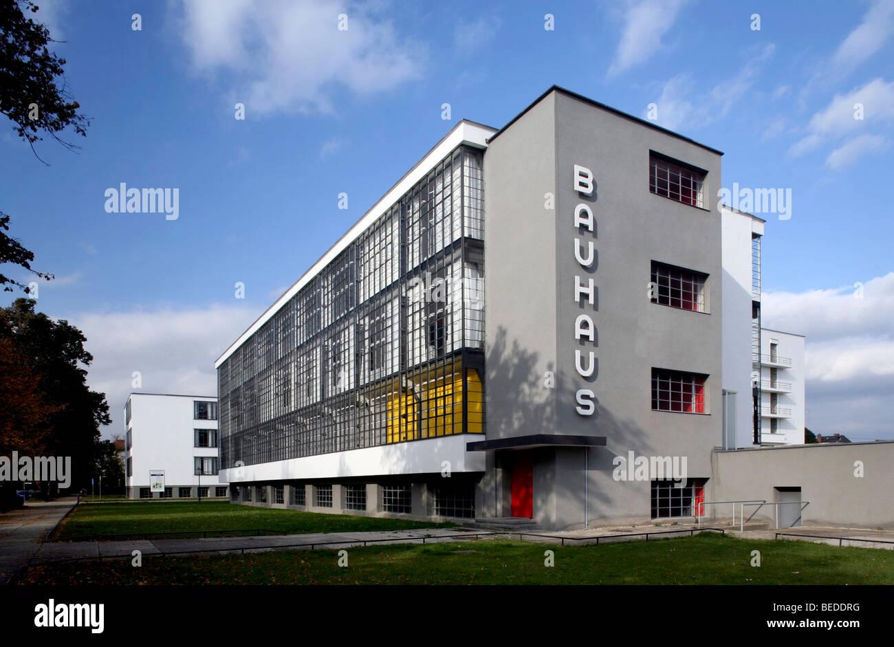 Bauhaus dessau building complex dessau rosslau saxony for Bauhaus replica deutschland
