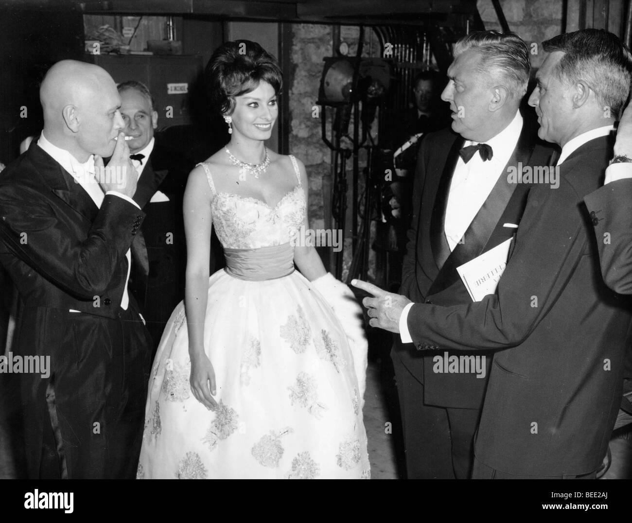 Sophia Loren, Yul Brynner, Cary Grant and Jacques Tati at ...