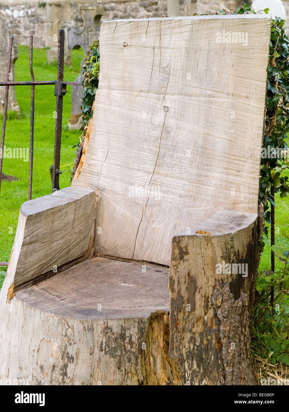 Tree Stump Seats A Seat Carved Out Of A Tree Trunk Derbyshire England Uk Stock