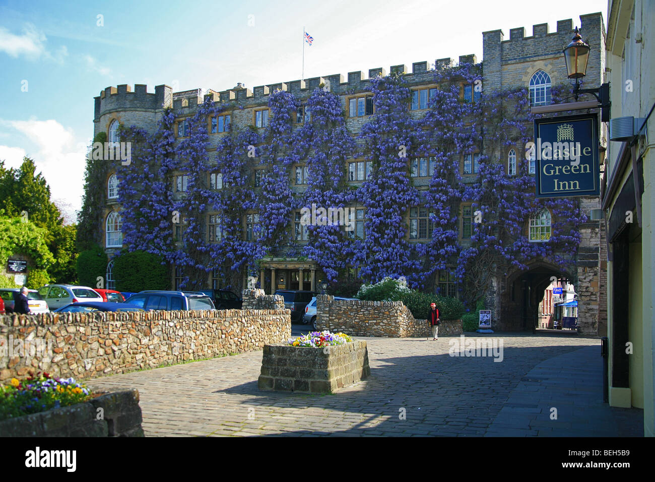 Hotel Castle Blue Wisteria Growing Up The Front Of The Castle Hotel Taunton